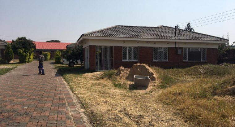 Bluff Hill – 3 Bedroom Cluster house for rent